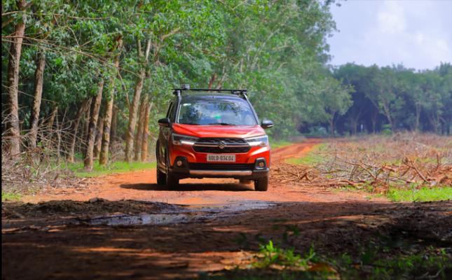 Suzuki 'lấy lòng' khách Việt bằng dịch vụ hậu mãi ảnh 3